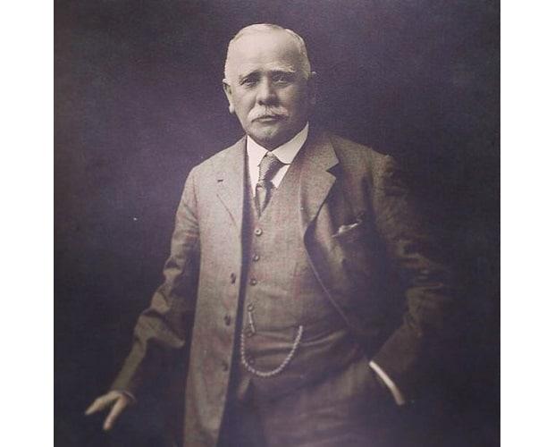 SANDERS – Shoemakers since 1873.