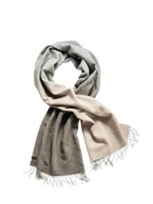 Über-zwei-Meter-Schal