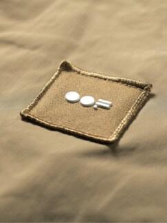 Shape-Memory-Mantel quarzsand Detail 4