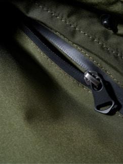 Eisbrecher-Jacke oliv Detail 3