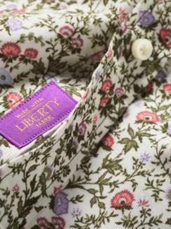Liberty Hemd Mina Blumen mandelweiß Detail 3