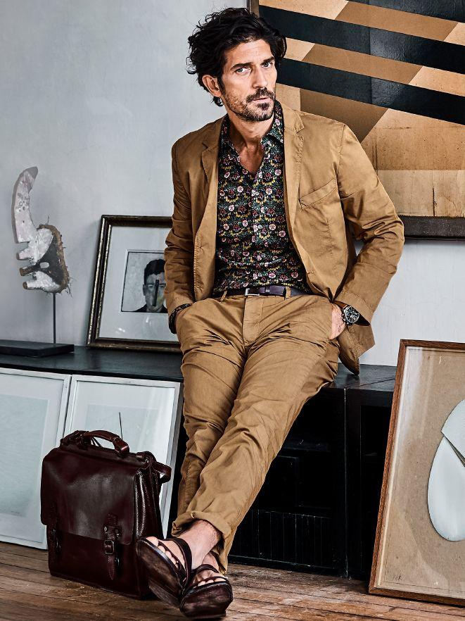 Papierflieger-Anzug