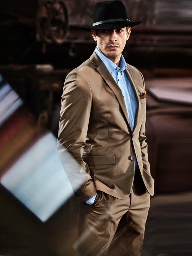 Bronze-Anzug